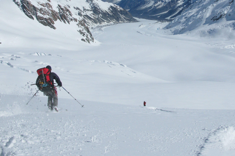 Ski holidays glacier skiing new zealalnd